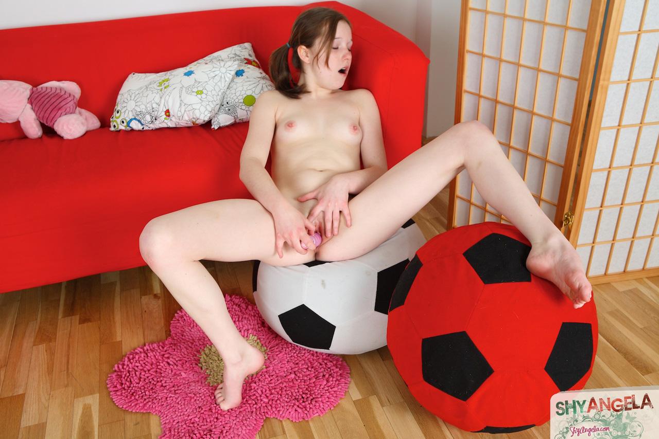 heartbreakers gallery 3513 Shy Angela 12 JPG