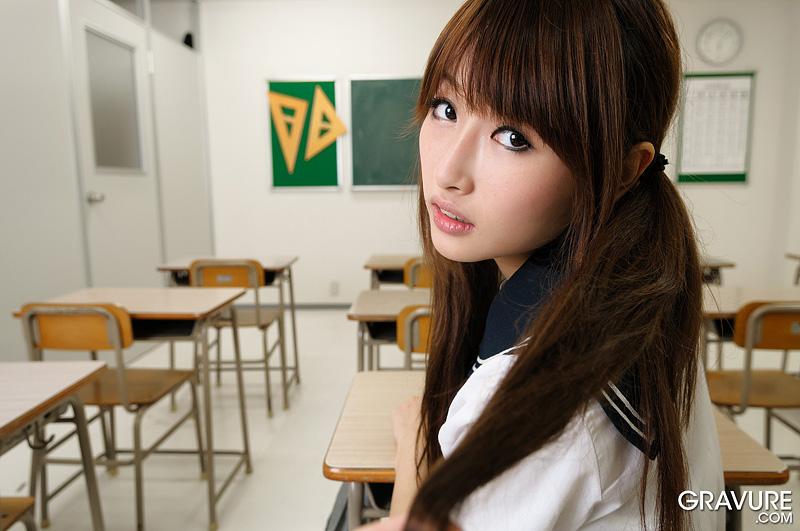 heartbreakers gallery 3899 Gravure Mana Aoki Class Flirt 01 JPG